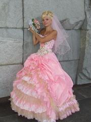 Продаётся  шикарное свадебное платье  размер 40-42